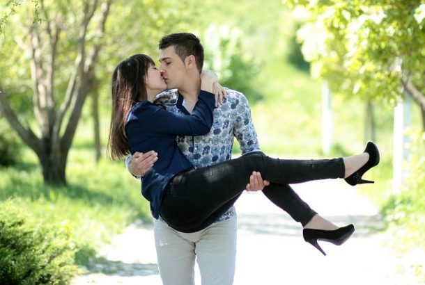 Are You A Good Boyfriend? Do These 6 Things And Win Your Girl's Heart!